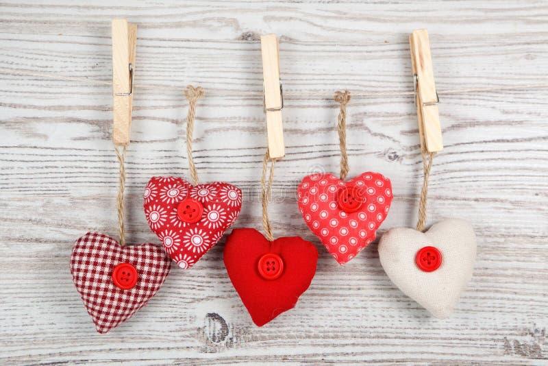 Decorazione in forma di cuore su legno immagine stock