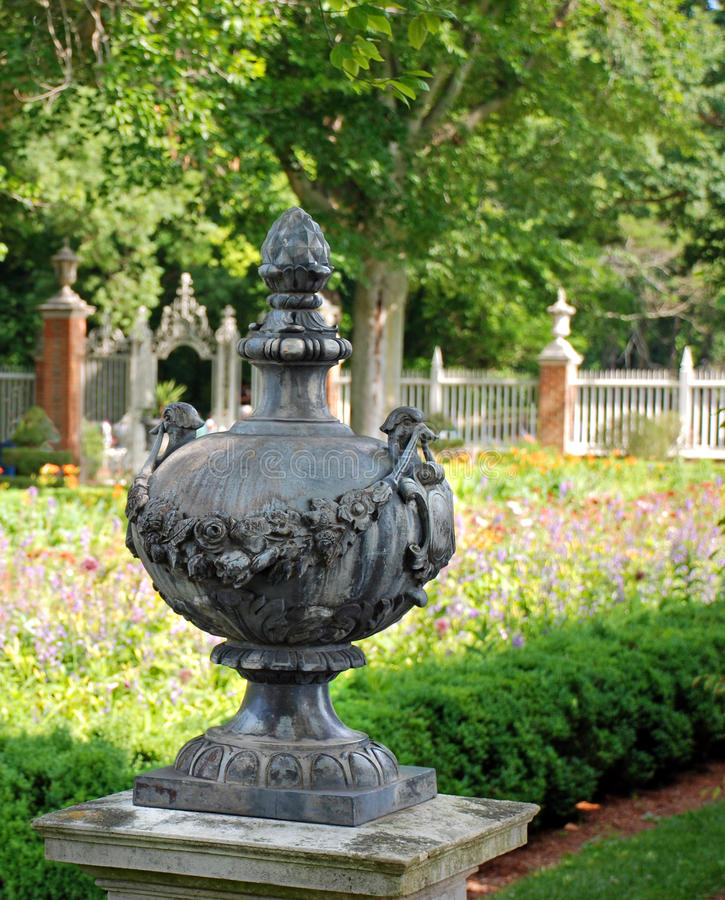Decorazione inglese coloniale del giardino fotografie stock libere da diritti