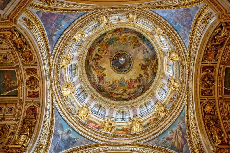 Decorazione interna della cattedrale di Isaac del san a St Petersburg fotografia stock