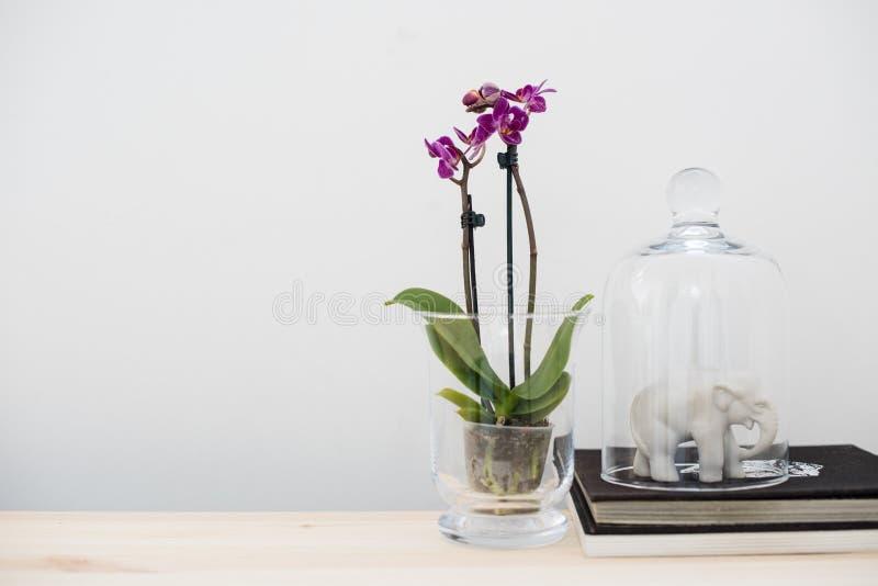 Decorazione interna domestica, stile d'annata fotografie stock libere da diritti
