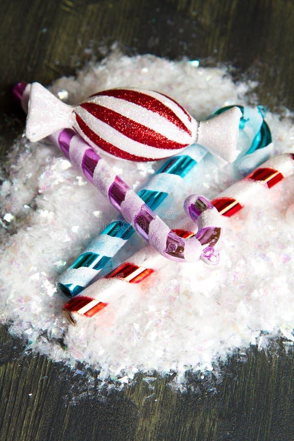 Decorazione a strisce del bastoncino di zucchero di Natale immagini stock libere da diritti