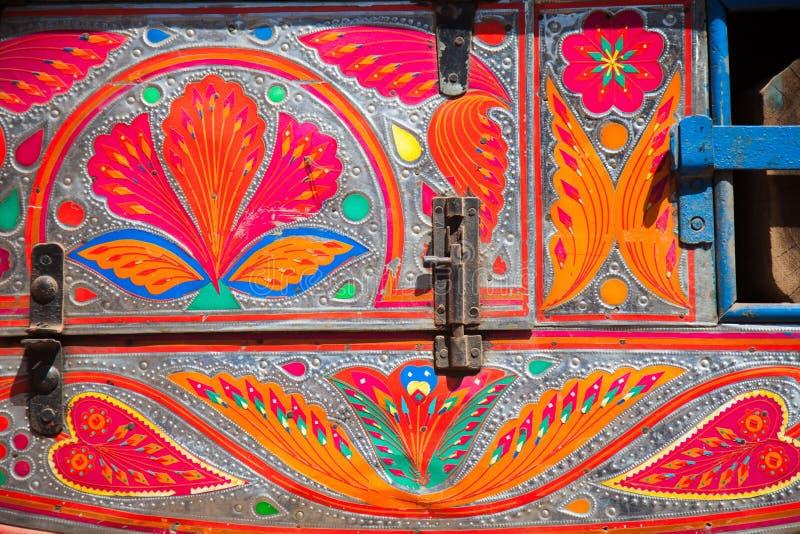 Decorazione su un camion pakistano immagine stock libera da diritti