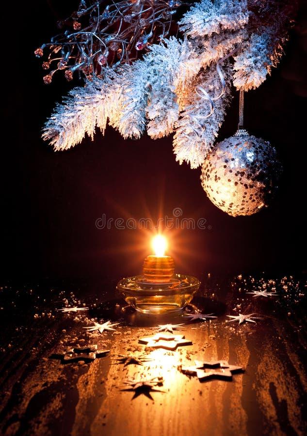 Decorazioni bianche e d 39 argento di natale immagine stock immagine di background abete 27386117 - Decorazioni bianche ...