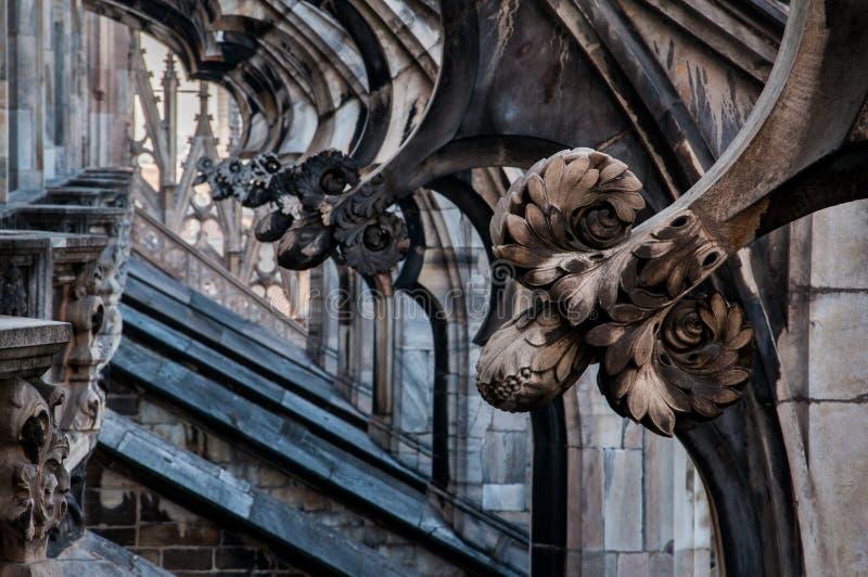 Decorazioni della cattedrale a Milano immagini stock