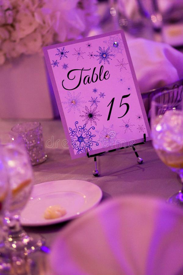 Decorazioni della Tabella per le nozze di inverno immagine stock libera da diritti