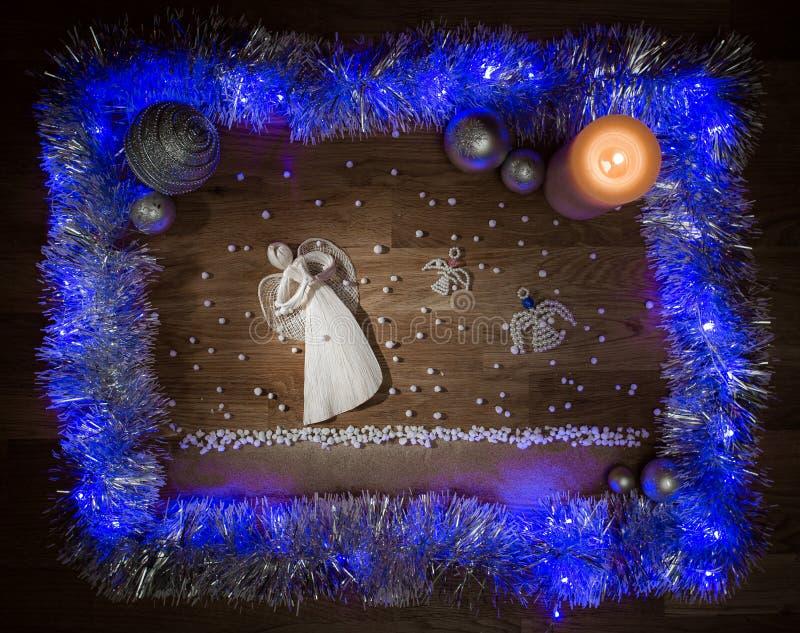 Decorazioni di Natale con gli angeli immagini stock libere da diritti