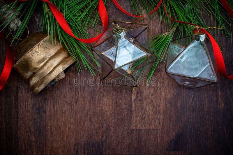 Decorazioni di vetro delicate di Natale fotografie stock