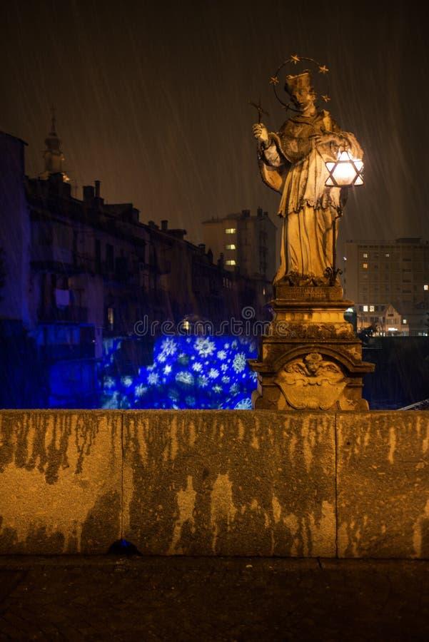 Decorazioni natalizie a Chiavenna royaltyfri fotografi