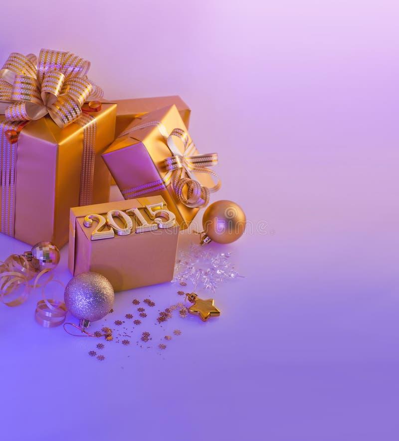 Decorazioni, regali e figure di Natale fotografia stock libera da diritti