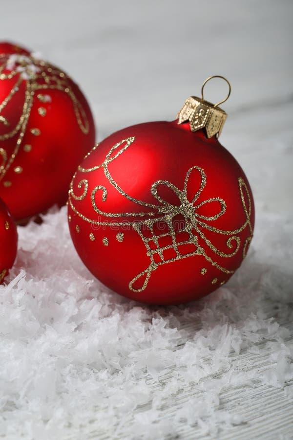 Decorazioni rosse delle palle di Natale immagine stock libera da diritti