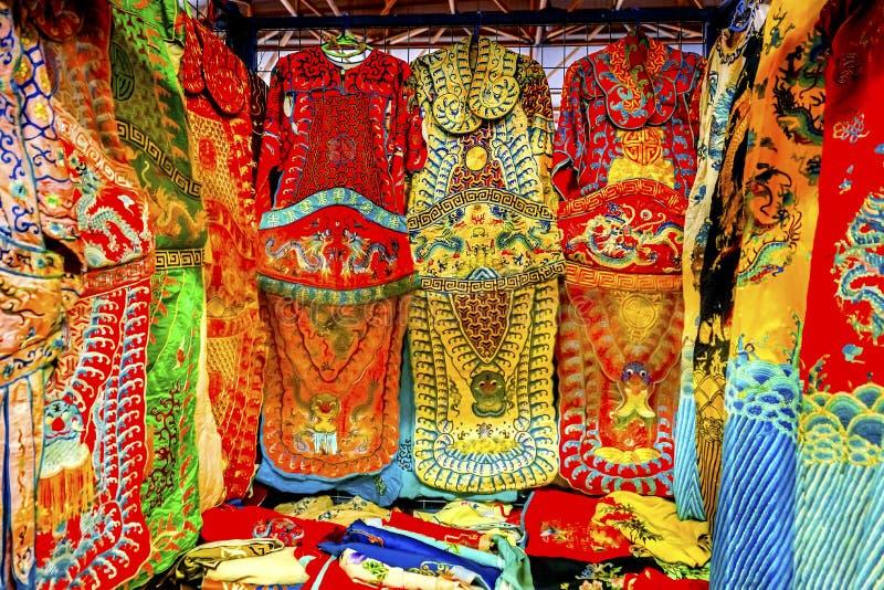 Decoros da feira da ladra de Dragon Replica Silk Garments Panjuan do chinês imagens de stock