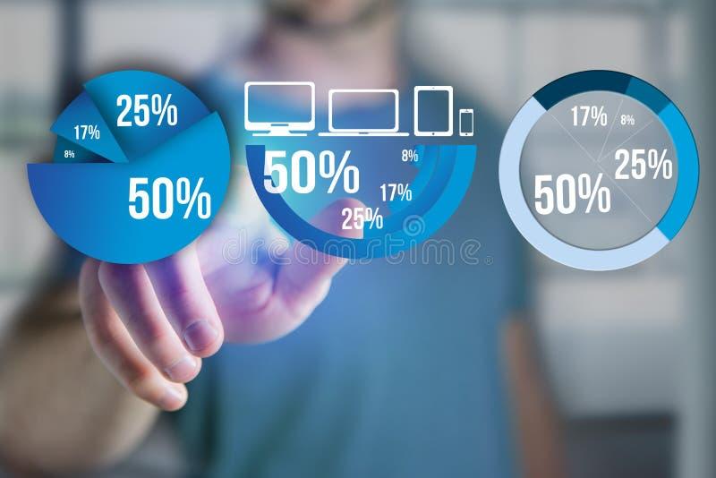 Dedo de um homem que aponta em uma relação azul do gráfico da avaliação - tecnologia ilustração royalty free