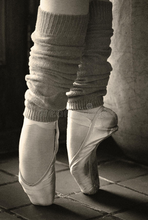 Dedos do pé retros da bailarina imagem de stock
