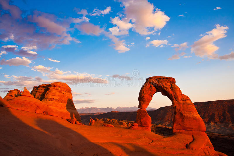 Dedykuje Łękowatego zmierzch w łukach parki narodowi, Utah obrazy stock