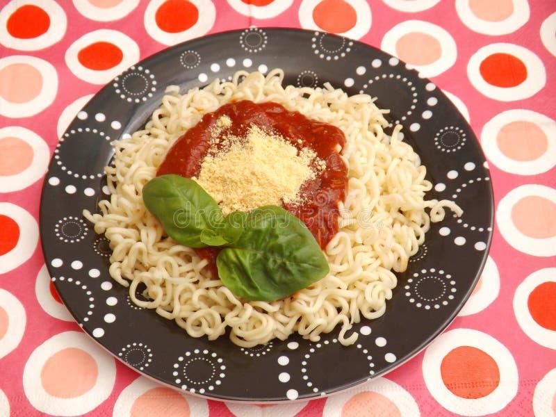 Download Deegwaren Met Een Saus Van Tomaten Stock Foto - Afbeelding bestaande uit vers, saus: 54084304
