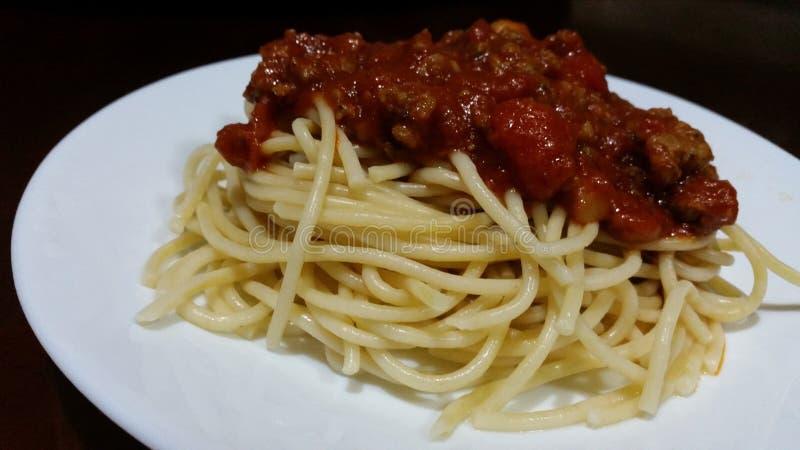 Deegwarenspaghetti met Rundvlees Marinara stock foto's