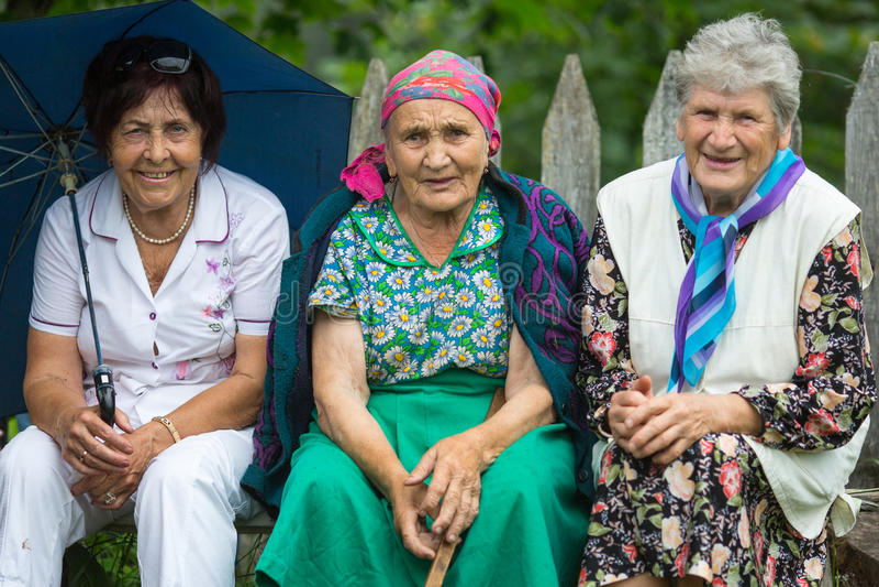 Deelnemers van het Festival van volkscultuur Russische Thee Festival in Grishino-ecovillage sinds 2012 jaarlijks wordt gehouden d royalty-vrije stock foto