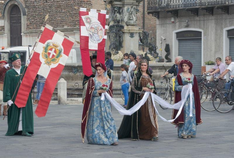 Middeleeuwse optocht royalty-vrije stock afbeeldingen
