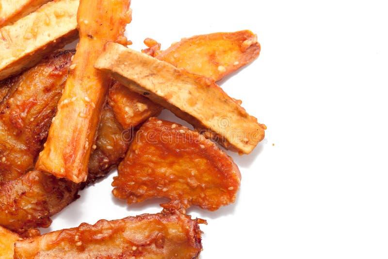 Deep fried a coupé en tranches la banane, taro, patate douce photographie stock libre de droits