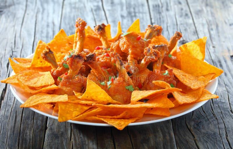Deep fried golpeou as asas de galinha friáveis fotografia de stock royalty free