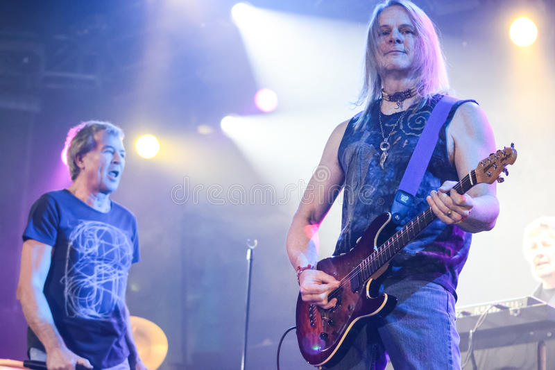 Deep Purple esegue in scena durante il loro concerto a Minsk, Bielorussia il 27 marzo 2011 fotografia stock libera da diritti
