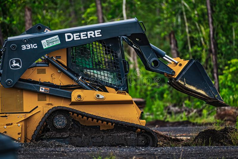 Deere 331g royalty-vrije stock foto's