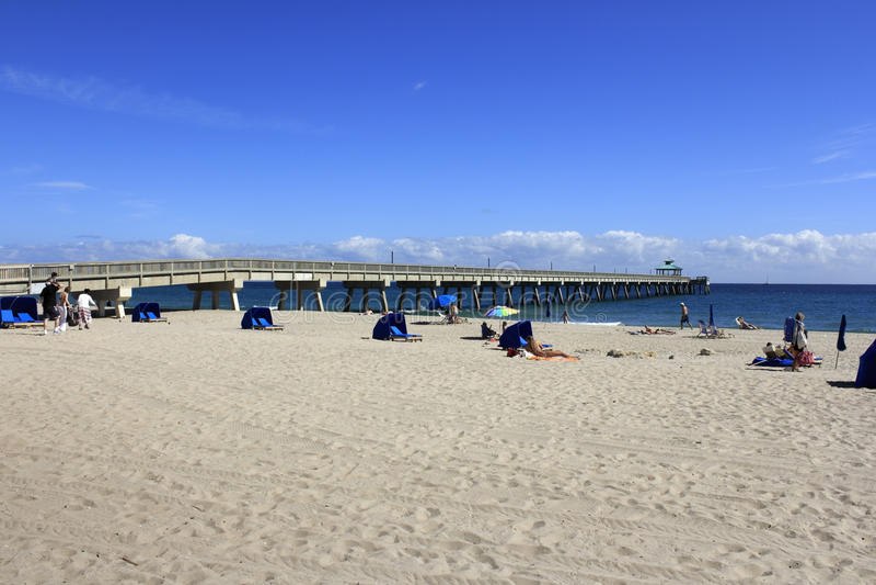 Deerfield beach international fishing pier editorial photo for Florida free fishing days