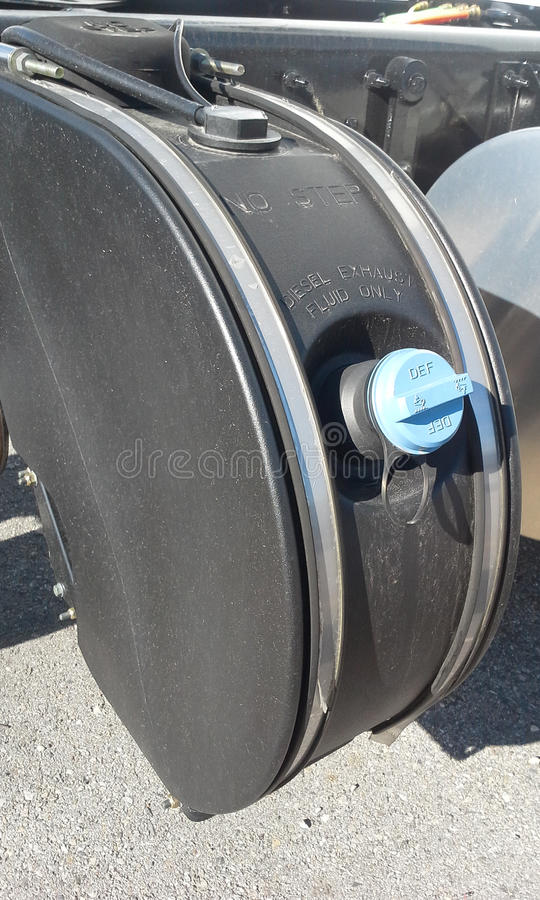 DEF-Kraftstofftank lizenzfreie stockbilder