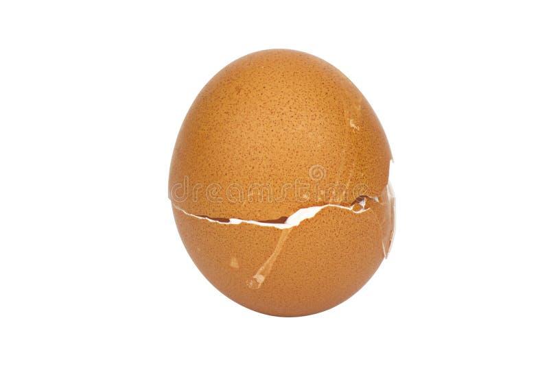 Defekte Eierschale auf wei?em Hintergrund mit cipping Weg stockfoto