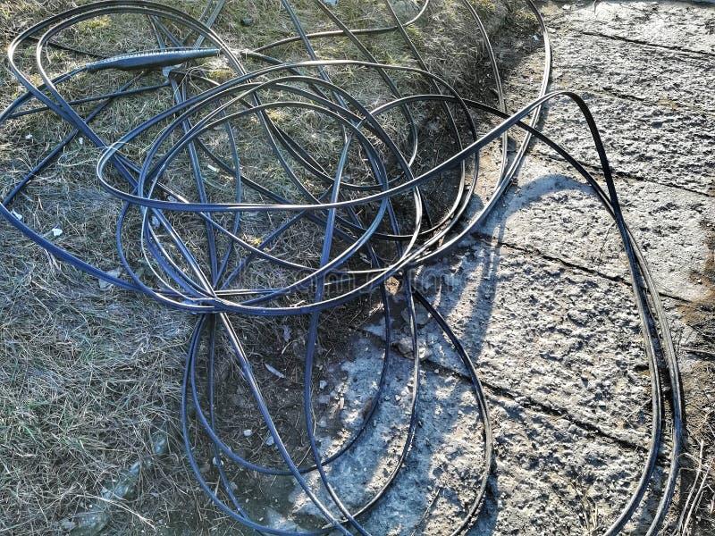 Defekte Kabel nach einem großen Sturm lizenzfreie stockbilder