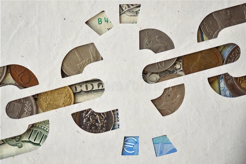 Defekter Kettenpapierausschnitt auf Geldhintergrund, Freiheit von MO lizenzfreie stockbilder