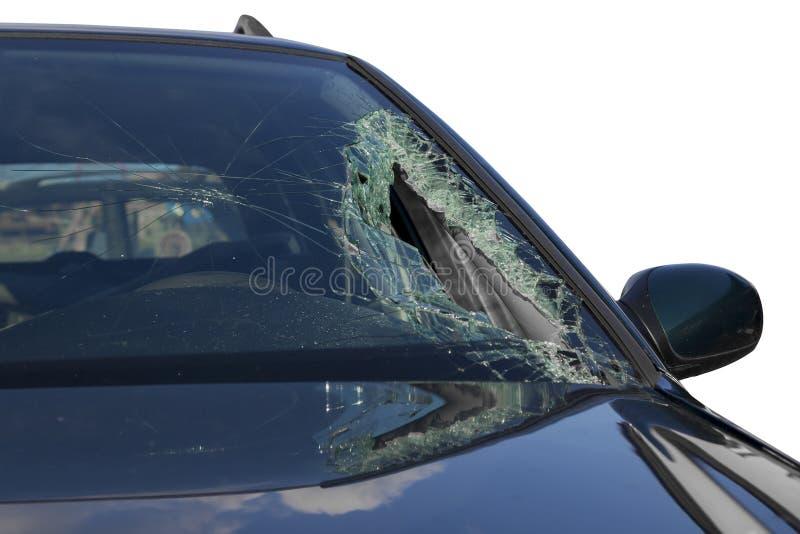Defekter Windfang am schwarzen Auto im Verkehrsunfall stockfoto