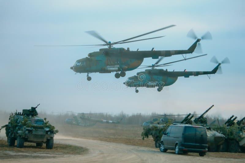 Defensa del misil Equipo militar Helicópteros y los tanques fotografía de archivo
