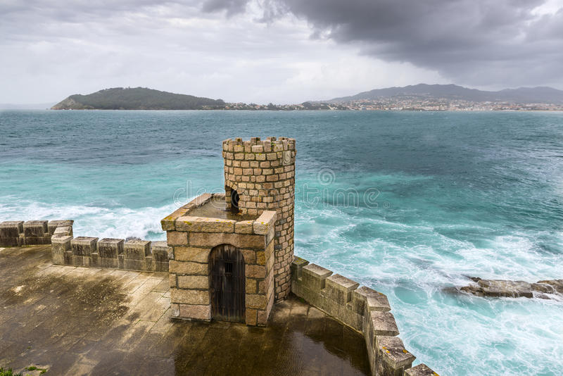 Defensiver Turm der Monterreal-Festung stockbilder