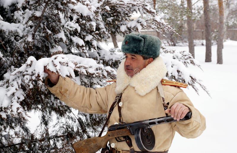 Defensor de Stalingrad em um formulário do inverno foto de stock