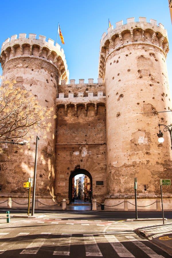 Defensywa góruje Quart w historycznym centrum Walencja obrazy royalty free