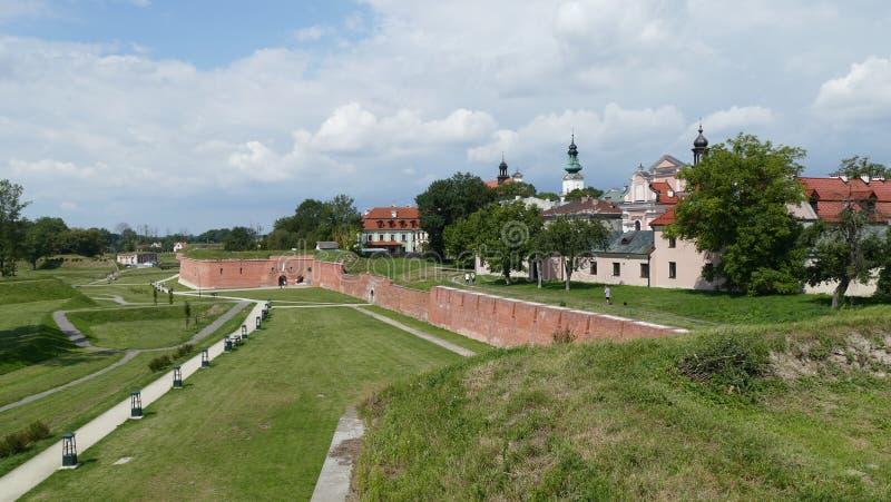 Defensywne ściany ZamoÅ› Ä ‡ forteca Wschodni Polska europejczycy zdjęcia stock