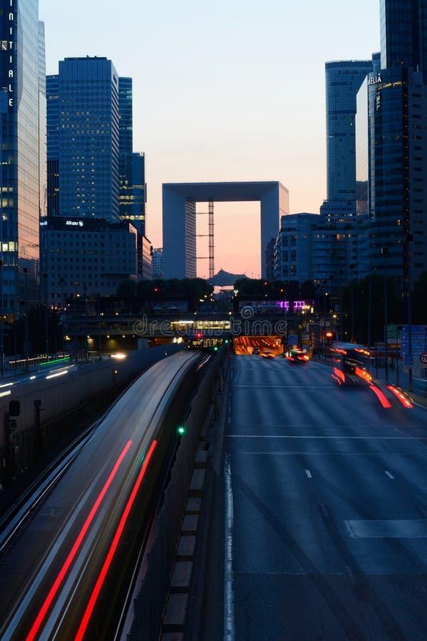 Defesa na noite - Paris do La foto de stock