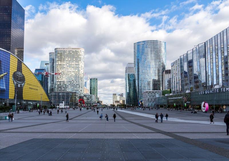 Defesa Paris do La da arquitetura da cidade, França foto de stock