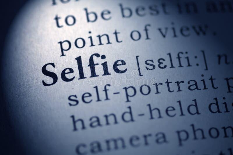 Definitie van het woord selfie stock foto