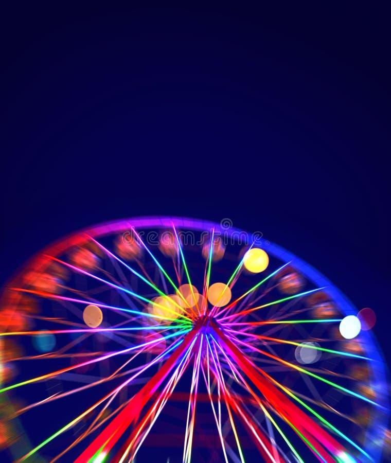 Defocused ferris koło z kolorowymi światłami ilustracja wektor