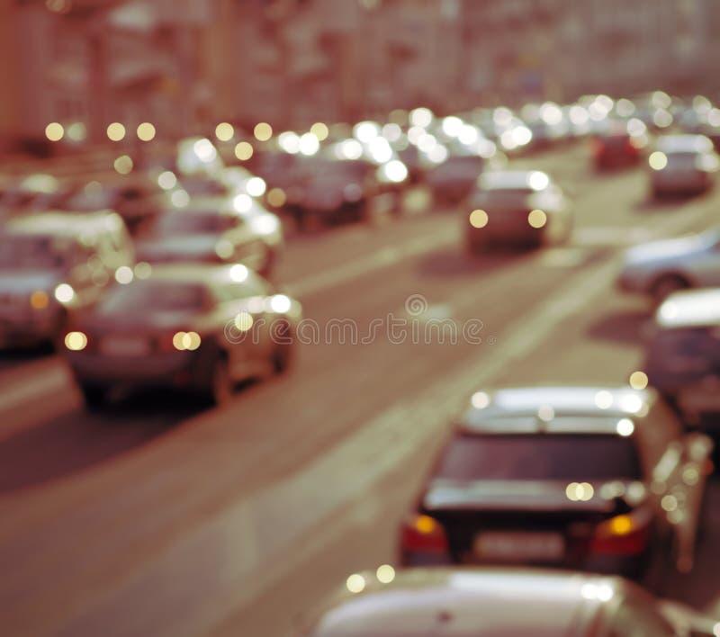 Defocused ljus av trafik arkivfoton
