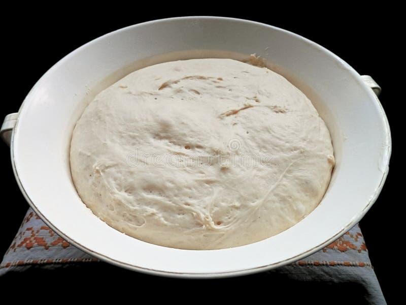 Deg som är klar för sourdoughpannkakor arkivbild