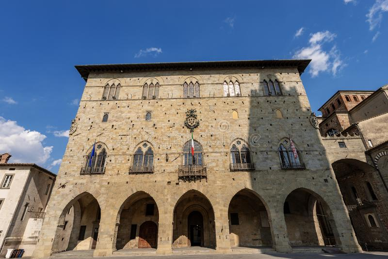 Degli Anziani de Palazzo - c?mara municipal de Pistoia - Tosc?nia It?lia imagem de stock