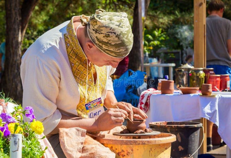 Dehors atelier de poterie image stock