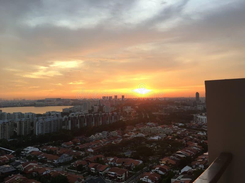 Dehors de mon balcon : Coucher du soleil photos stock
