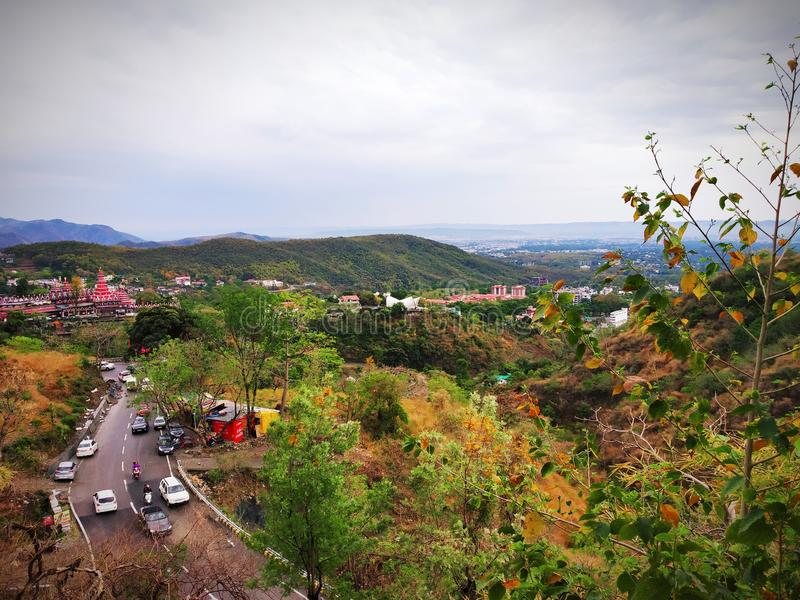 Dehradun-Mussorie väg arkivbilder