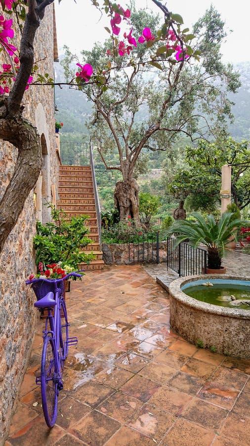 Deià città nell'isola di Mallorca, Spagna immagini stock