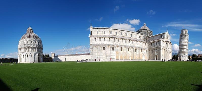 Dei Miracoli аркады, небо, ориентир ориентир, дневное время, представительный дом стоковое фото rf