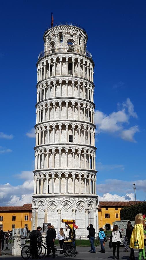 Dei Miracoli аркады, Пиза, метрополия, небо, инженерство, переключатель, электрический переключатель, электрический переключатель стоковая фотография